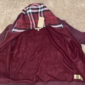 Burgundy Burberry Hoodie Size 2x Fit As Large/Xl for Sale in Riverside, IL