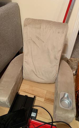 Free Brookstone Massage Chair Barely Used for Sale in Falls Church, VA