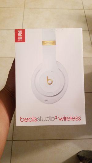 New open box white beats studio 3 wireless headphones for Sale in Deltona, FL