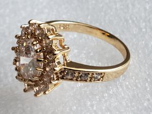 🎄💍14K YELLOW GOLD 3.60CT WHITE SAPPHIRE RING SIZE 8 for Sale in Las Vegas, NV