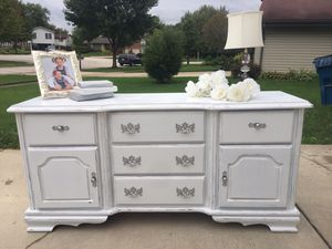 Shabby dresser/buffet/baby changing table/TV Console for Sale in Bloomingdale, IL