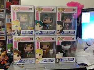 Funko Pop! Sailor Moon Set Hot Topic EX Sailor Moon for Sale in Coconut Creek, FL