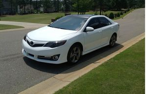 Amazing vehicle.2012 Toyota Camry Needs.Nothing FWDWheelss for Sale in Chicago, IL