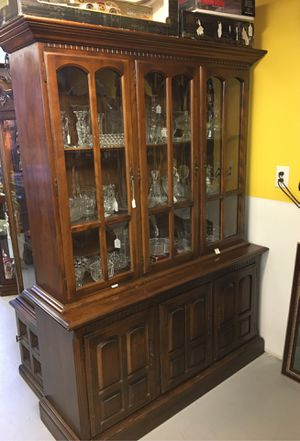 Ethan Allen 2-piece Hutch for Sale in Burlington, MA