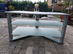 """Glass TV stand 43""""x22"""" height 23"""" for Sale in Boca Raton, FL"""