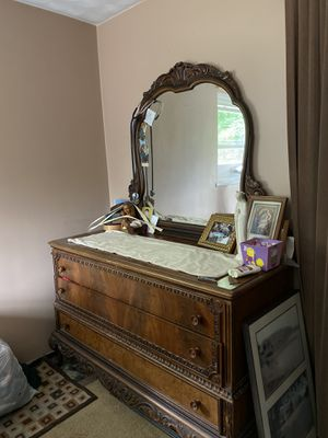 Antique Dresser with mirror for Sale in Beverly, MA