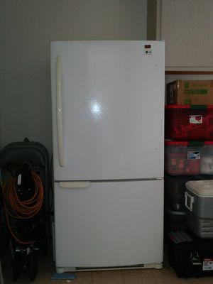 LG 26 cubic ft refrigerator, white , bottom freezer for Sale in Sun City, AZ