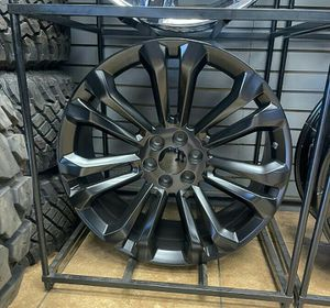 20 x 9 Wheels and tires set 33 20 for Sale in Phoenix, AZ