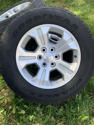 2017 Silverado rims for Sale in Westland, MI