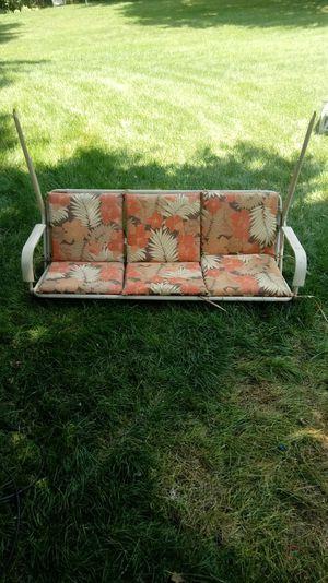 3 person patio chair swing for Sale in Darien, IL