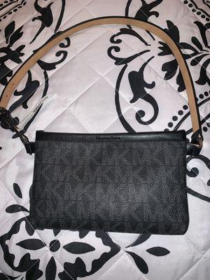Authentic Michael Kors Signature Belt Bag for Sale in Powder Springs, GA