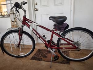 Womens Cannondale Bicycle Street Beach Cruiser Small Sized Bike Excellent Condition for Sale in HALNDLE BCH, FL