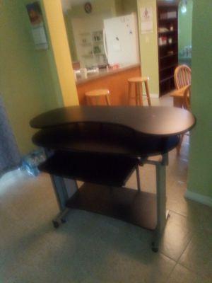 Computer desk for Sale in Tarpon Springs, FL