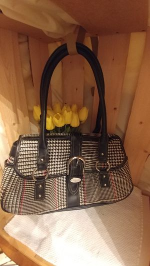 Chaps Ralph Lauren Houndstooth Handbag for Sale in Indianapolis, IN