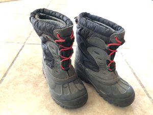 Little kids size 12 snow boots for Sale in Irwindale, CA