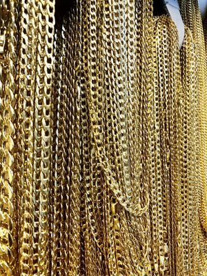 HOT SALE 📣🏝, Beautiful Hollow curb link chains for babies , ladies & gentlemen 14K REAL YELLOW GOLDS. Description⤵️ for Sale in Los Angeles, CA