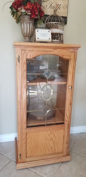 BEAUTIFUL-STORAGE CABINET- WITH GLASS DOOR IN GREAT CONDITION! for Sale in Alta Loma, CA