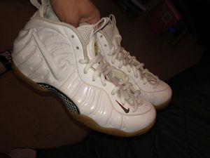 Gucci foams sz 10.5 for Sale in Boston, MA