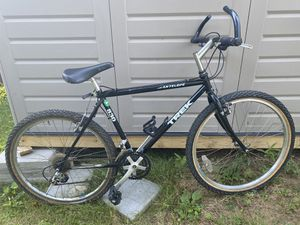 TREK MOUNTAIN BIKE $350 OBO for Sale in MD CITY, MD