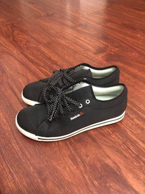 Reebok sneaker size 6 for Sale in Portland, OR