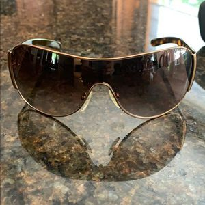 Prada Sunglasses for Sale in Revere, MA