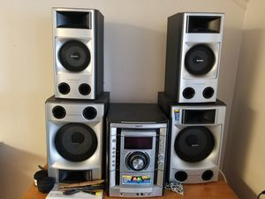 Sony 520W Stereo for Sale in Covina, CA