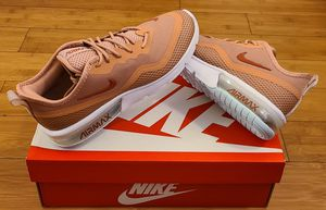 Nike Air Max size 6 and 8 for Women. for Sale in Lynwood, CA