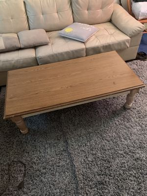 Small coffee table for Sale in Brooklyn, NY