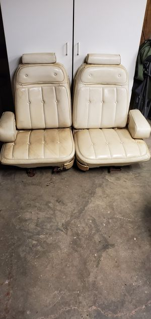Leather seats 75/77/78/79 Ford Thunderbird,Torino,Ltd for Sale in Lexington, KY