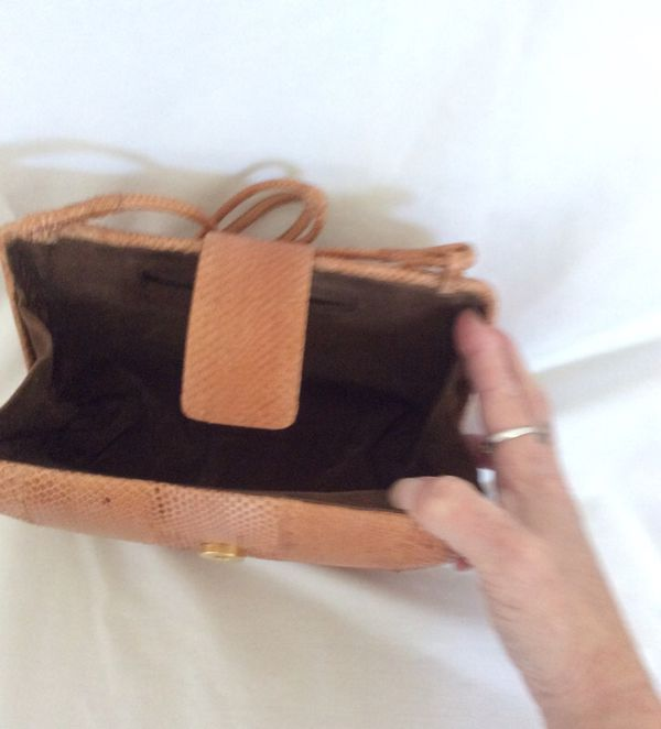 Hand Made Snakeskin purse in excellent condition!