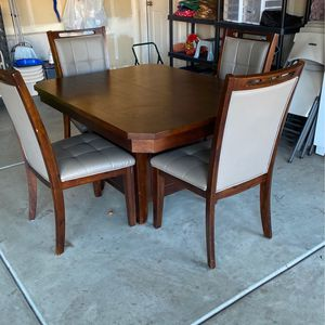 Table And 4 Chairs for Sale in Visalia, CA