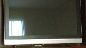 """Panasonic viera TV 50"""" and original control remote that works in excellent condition the only bad thing is that I lost the TV stand for Sale in Maricopa, AZ"""