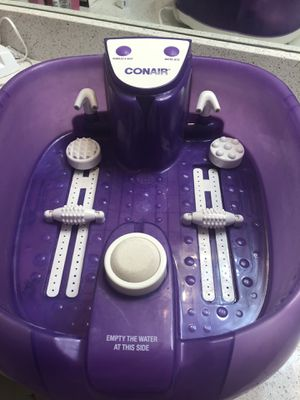 Relaxing Conair foot spa with jets and bubbles for Sale in Fort Lauderdale, FL