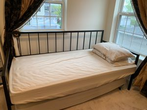 BASICALLY NEW DAY BED WITH MATTRESSES for Sale in Delmar, NY
