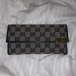 Authentic Gucci wallet for Sale in Fresno, CA