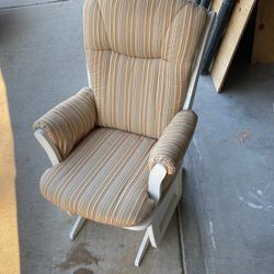 Dutailer Glider Chair for Sale in Fresno,  CA