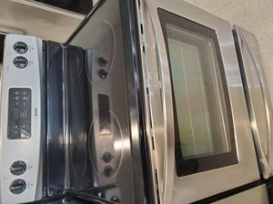 Kenmore electric stove in good condition with 90 day's warranty for Sale in Mount Rainier, MD