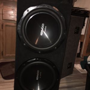 2/12 Kenwood Excelon Subwoofers W/ported Box for Sale in Lakeside, CA