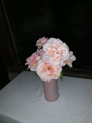 Champagne pink vase for Sale in Los Angeles, CA