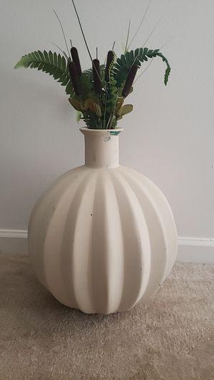 Porcelain decor for Sale in Lexington, KY