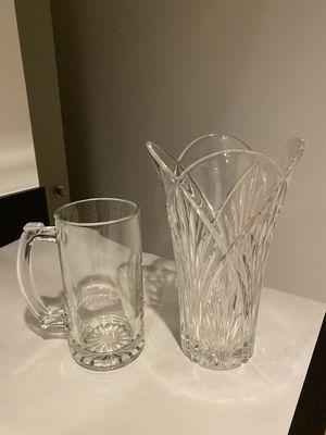 (2) Flower Vases for Sale in Las Vegas, NV