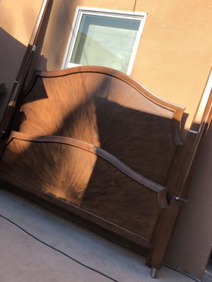 King Calking bed frame for Sale in Upland, CA