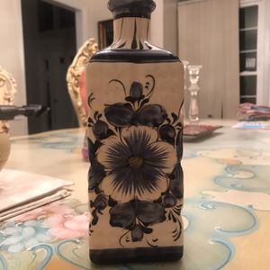 Pretty Rectangular Vase for Sale in Yardley, PA