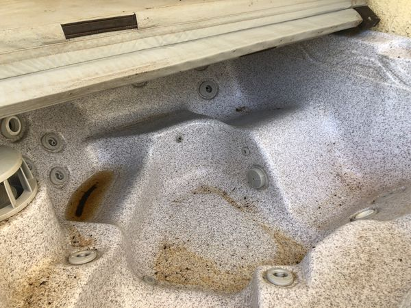 Hot tub ( you pick up)