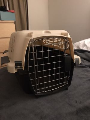 Small dog / puppy / pet carrier for Sale in Hialeah, FL