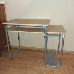 Computer Desk for Sale in Beaverton,  OR