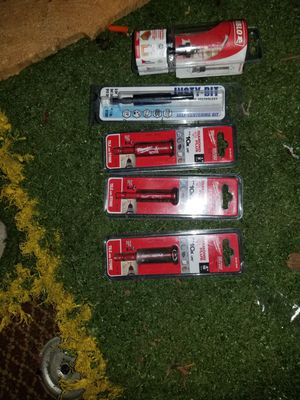 Milluakee drill bits and router bit for Sale in Everett, WA