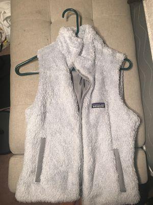 gray patagonia vest for Sale in Lilburn, GA