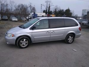 2005 Dodge Grand Caravan SXT 160k Miles runs and drives!!! for Sale in Temple Hills, MD