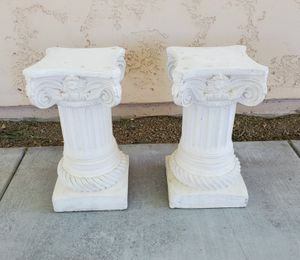 """Set of 2 Terracotta Classical Pillars - Plant Stands - Indoor Outdoor Decor - 20"""" tall for Sale in Goodyear, AZ"""